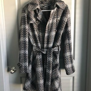 DKNY Trendy wool trenchcoat with tie
